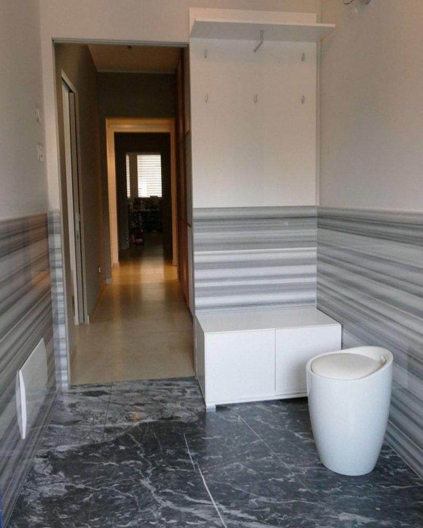 Striato Olimpico marble anteroom
