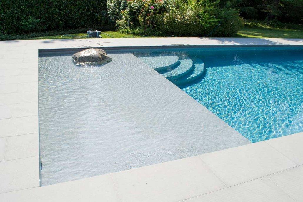 Pavimentazione piscina in quarzite Gaja Grey, dettaglio - a Vigolo Marchese, Piacenza