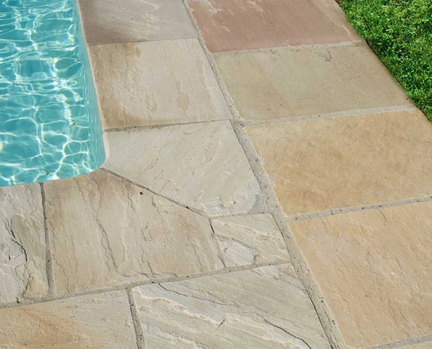pavimentazione piscina in quarzite Mint - dettaglio angolo